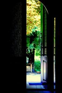 Притча страх неизвестности. Черная дверь